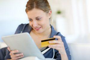 I clienti acquistano online da casa
